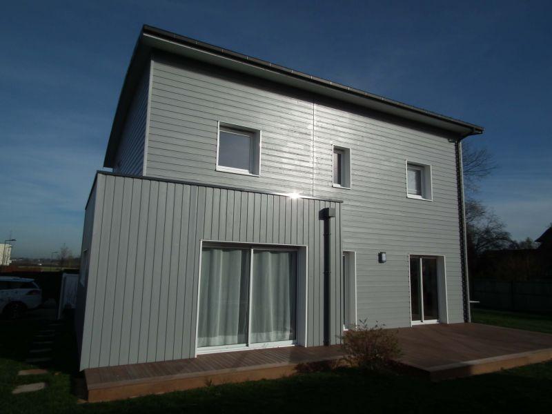 Maison rt 2012 ossature bois 132 m proche de rouen 76 for Prix maison 100m2 rt 2012